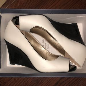 White and black wedges